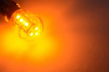BA15S LED-Miniglobe 25 Lumen Gleichstrom 10-30V DC Gelb 0,7W