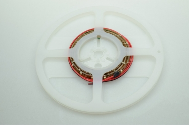 LED-Lichtband 302 Lumen Gleichstrom 12-14,8V DC warmweiss 9,6W dimmbar