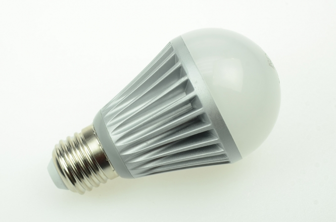 E27 LED-Globe LB60 600 Lumen Gleichstrom 10-30V DC warmweiss 8W