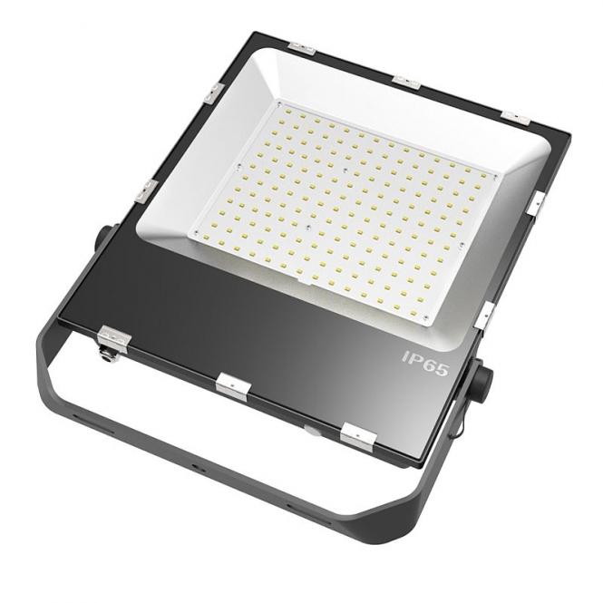 LED-Flutlichtstrahler 18000 Lumen Gleichstrom 80-269V DC kaltweiss 150W für extreme Luftfeuchte