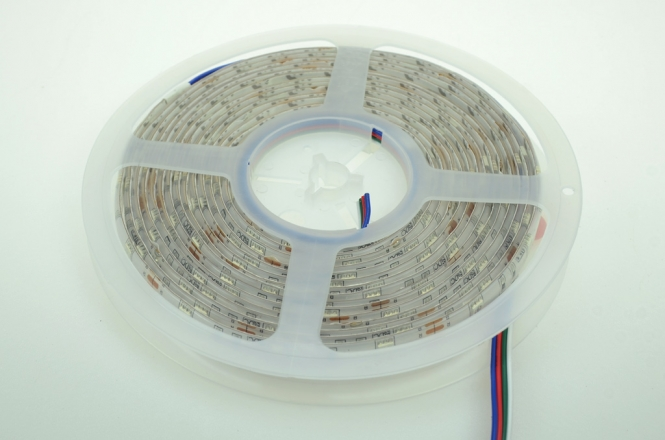 LED-Lichtband 210 Lumen Gleichstrom 24V DC RGB 36W Seqeunz +GRB