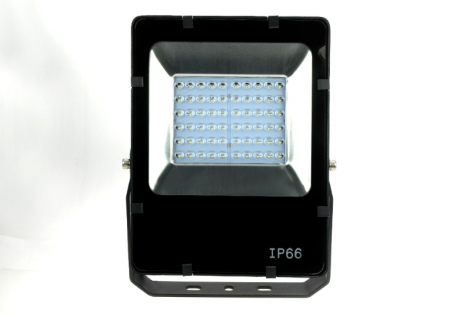 LED-Flutlichtstrahler 4500 Lumen Gleichstrom 127-431V DC kaltweiss 50W Asymetrisch